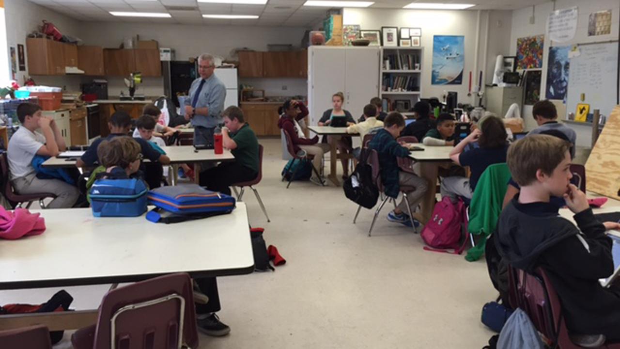 generic teachers classroom_139889
