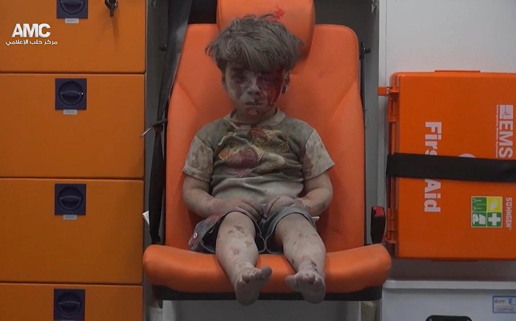 Mideast Syria Airstrikes_173640