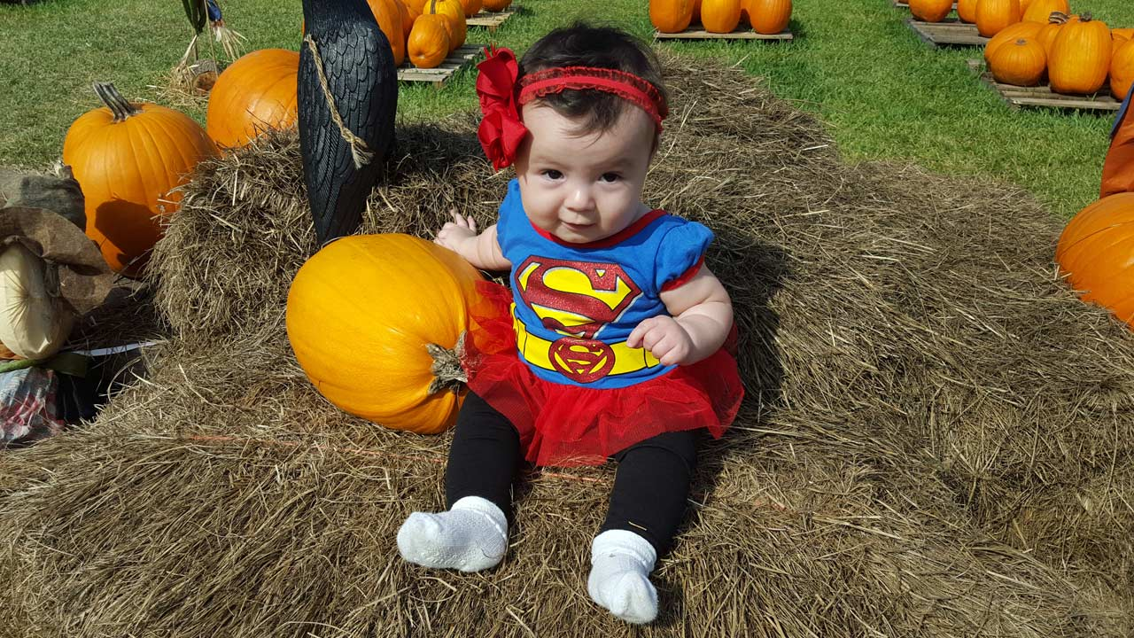 superhero-baby-halloween-costume_190386