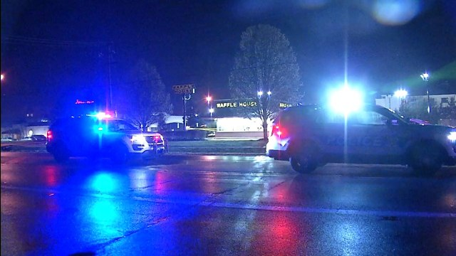 Man Killed In Shooting At Waffle House