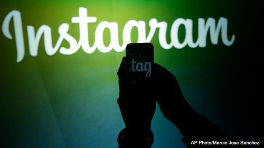 Finsta': Teens are sharing their dark side with fake Instagram accounts