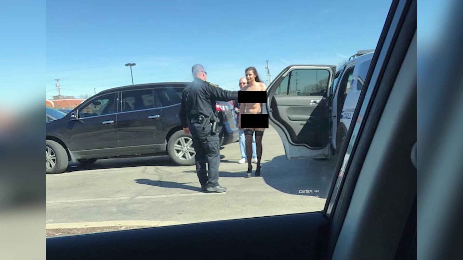 Nude model, photographer arrested at Pa. strip mall: Cops