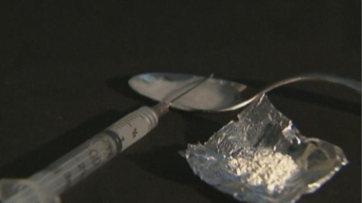 heroin needle_314243