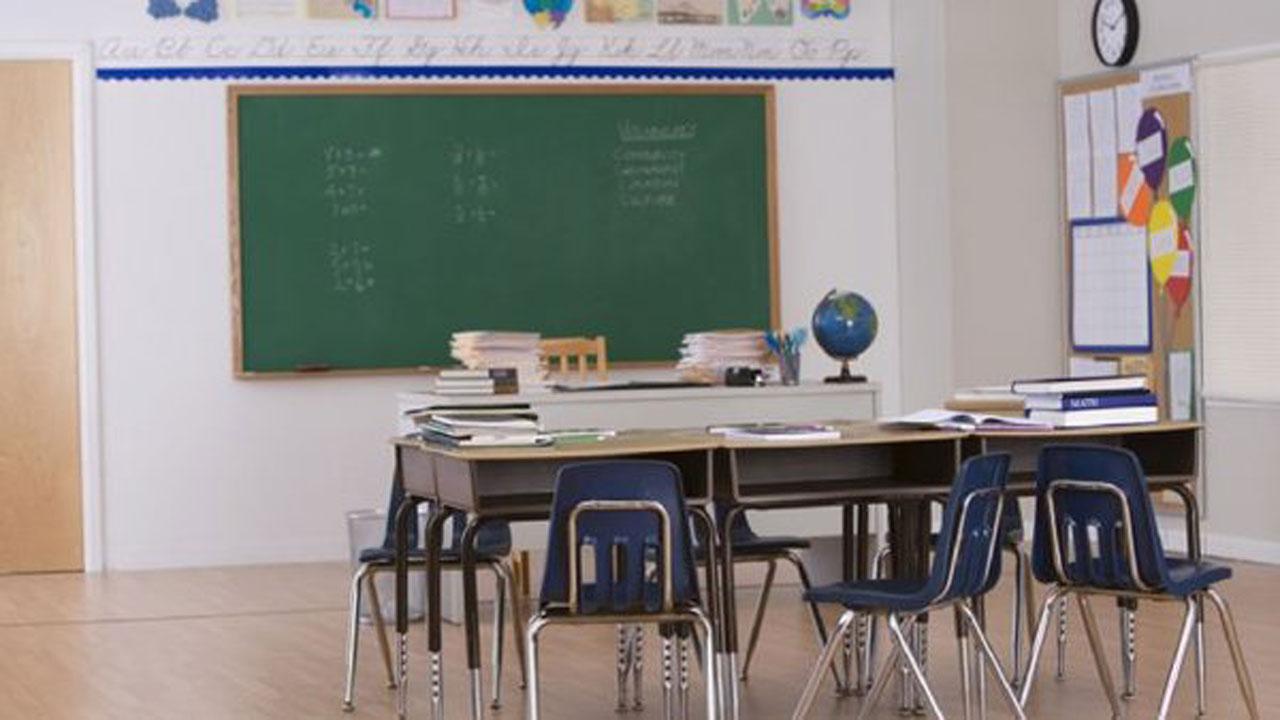 school-classroom_342581
