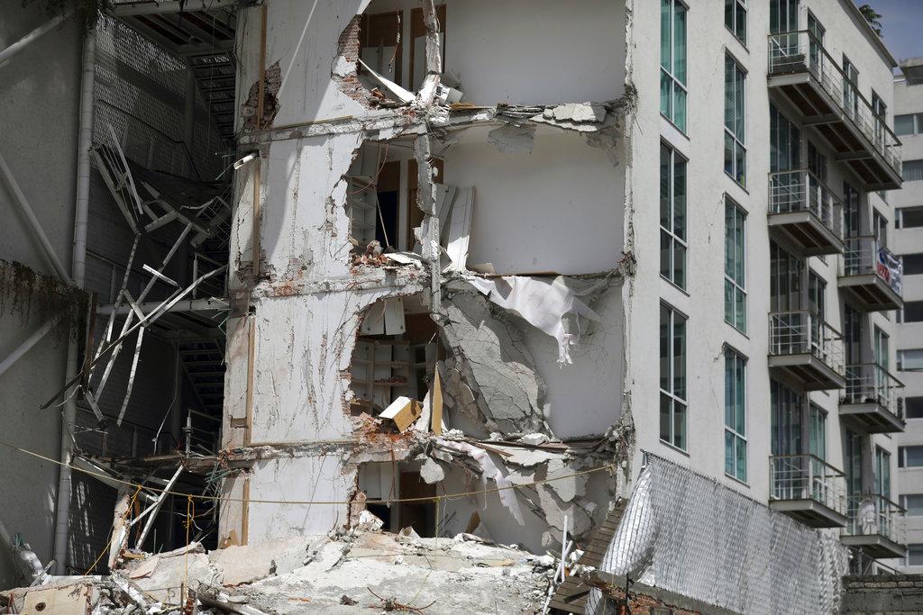 Mexico Earthquake Faulty Construction_356671