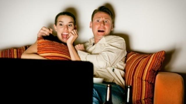 frightened-people-watching-scary-movie-pg-jpg_166390_ver1-0_13866695_ver1-0_640_360_359206