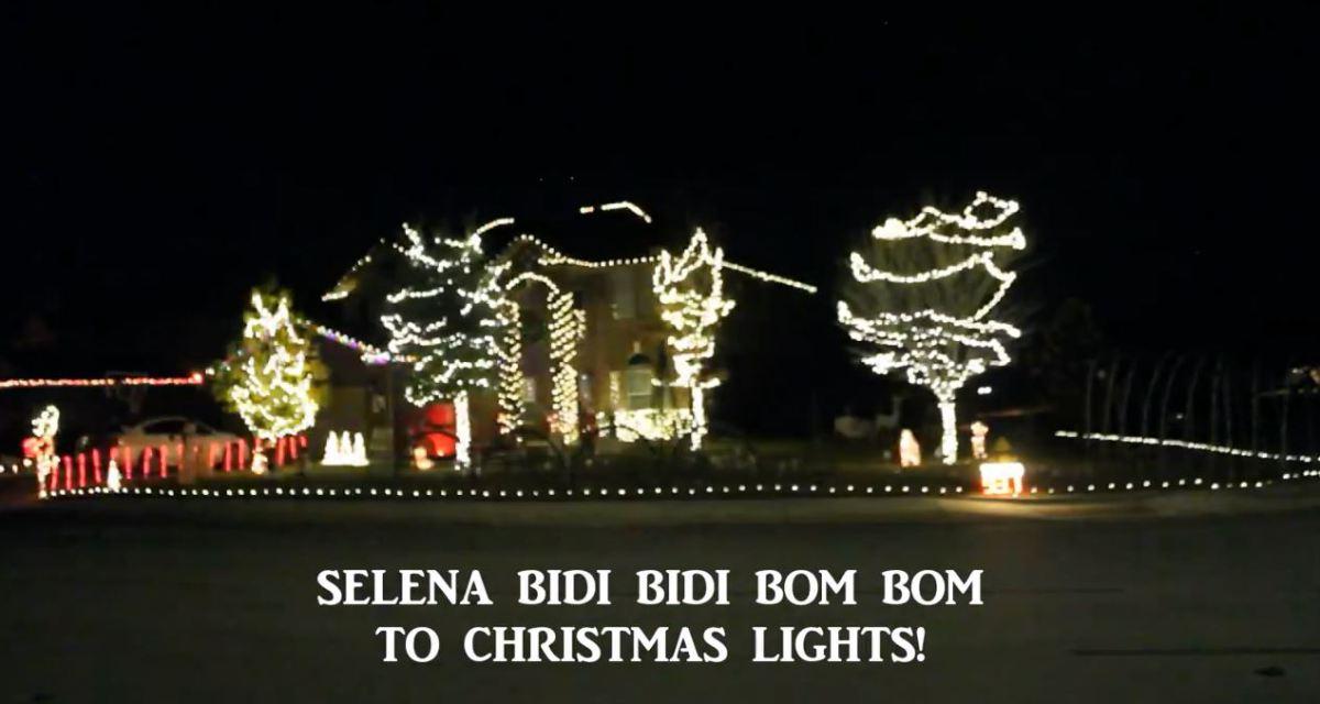 selena-christmas-lights_373003