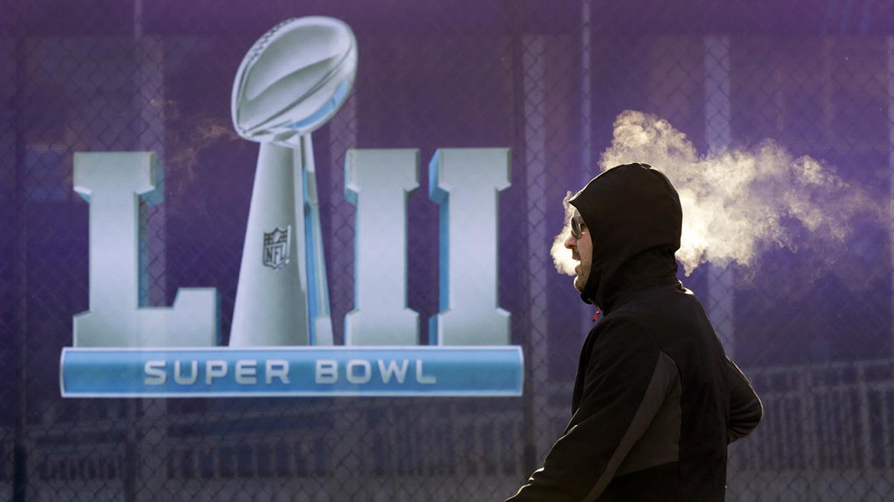 Eagles Patriots Super Bowl Football_386162
