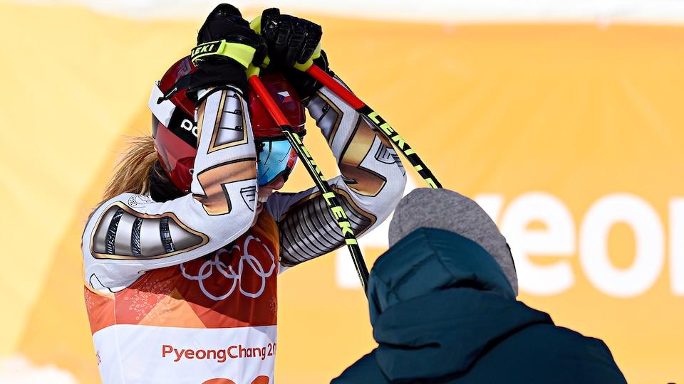 ester_ledecka_stunning_gold_medal_image_393625