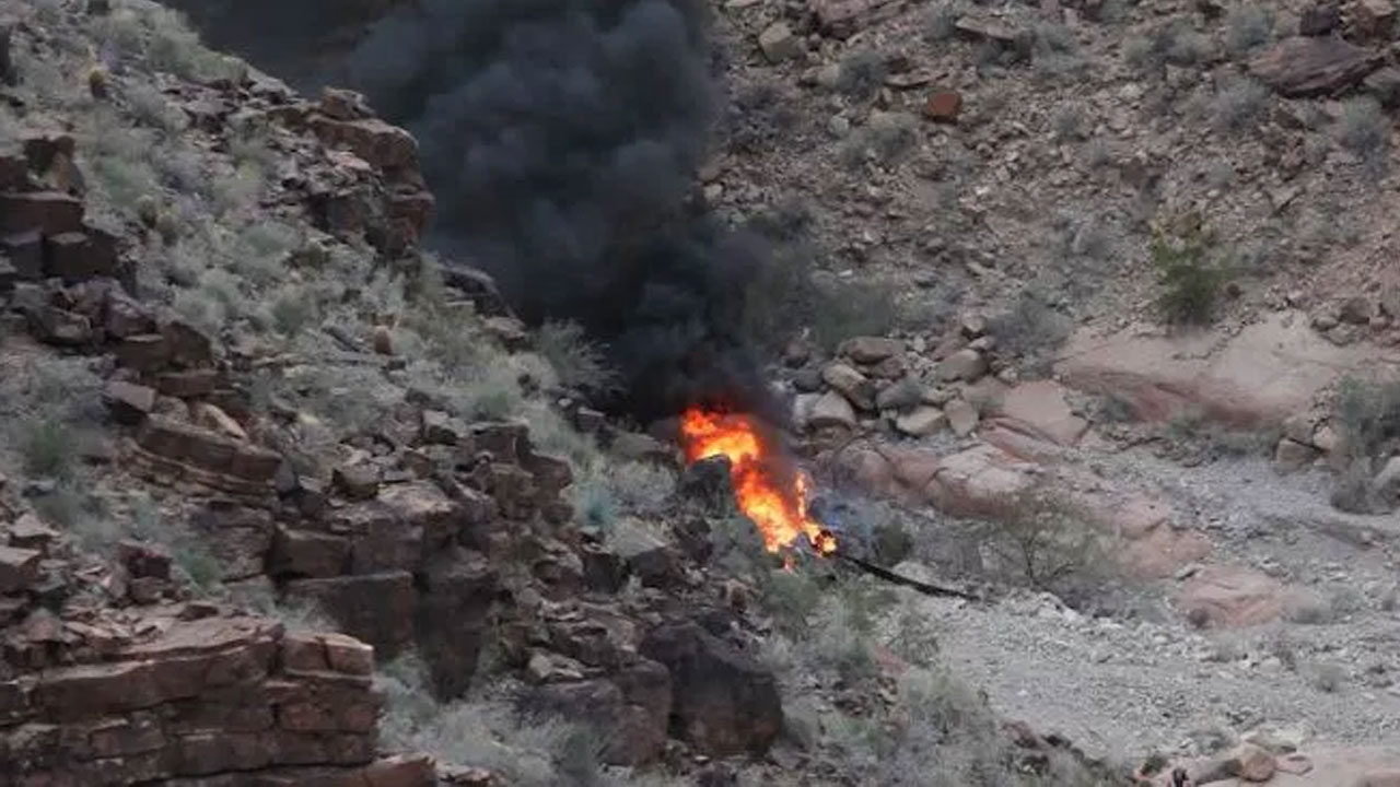 grand-canyon-helicopter-cra_390811