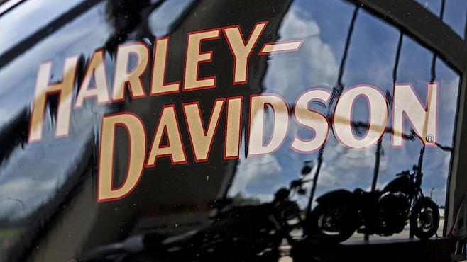Earns Harley Davidson_388875