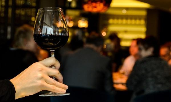 restaurant-person-single-drinking_1518642520422_342297_ver1-0_34201655_ver1-0_640_360_392513