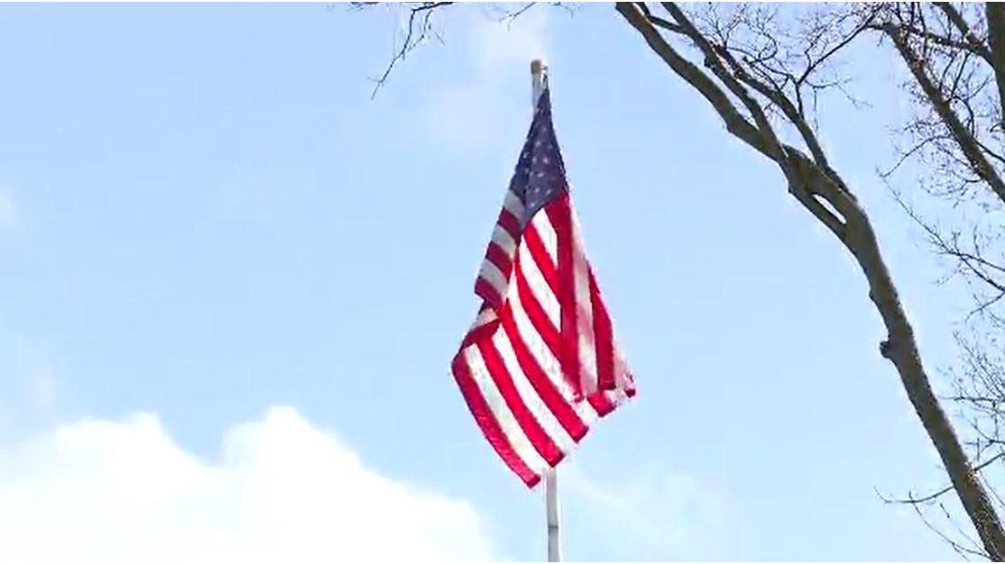 Ohio_veteran_told_to_remove_American_fla_0_20180403100032