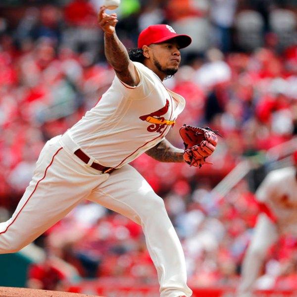 reds-vs-cardinals_1524389876595.jpg