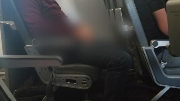 Airline_passenger_says_man_groped_her__p_2_20180522125820-846652698