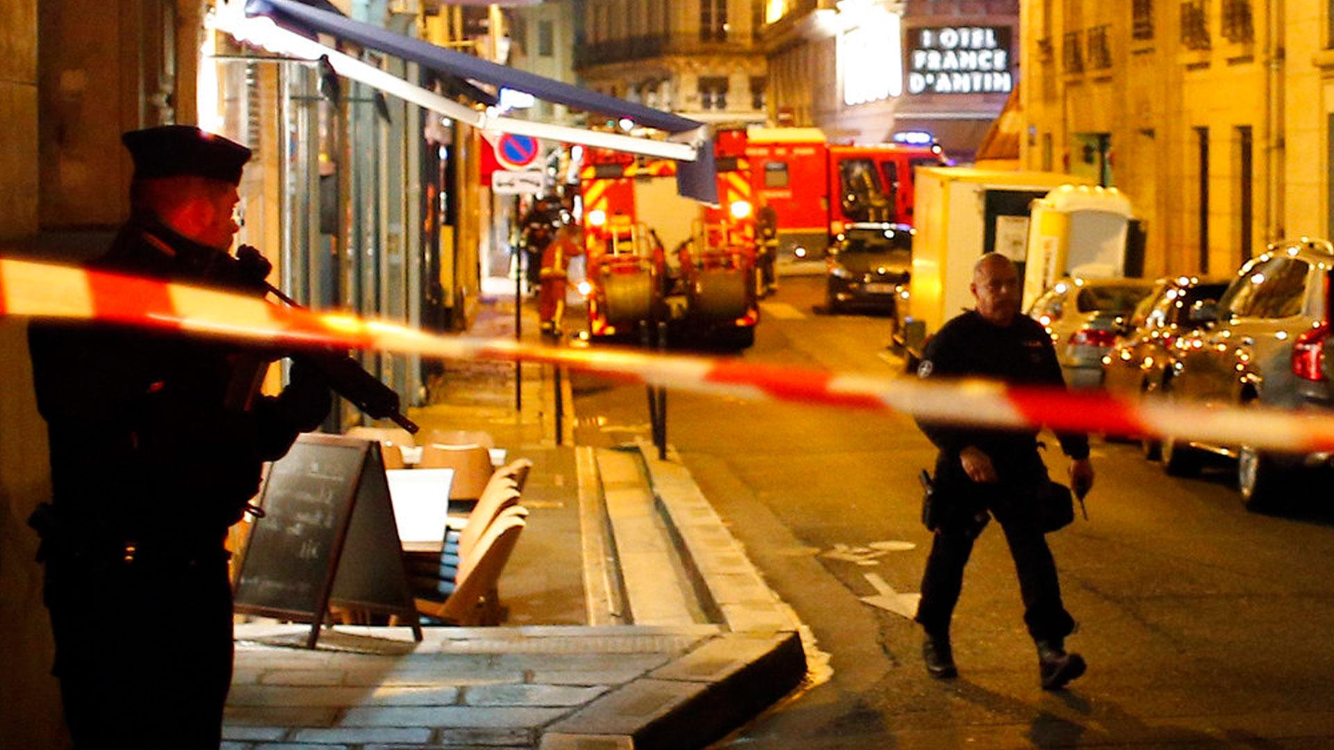 paris-attack_1526212420478.jpg