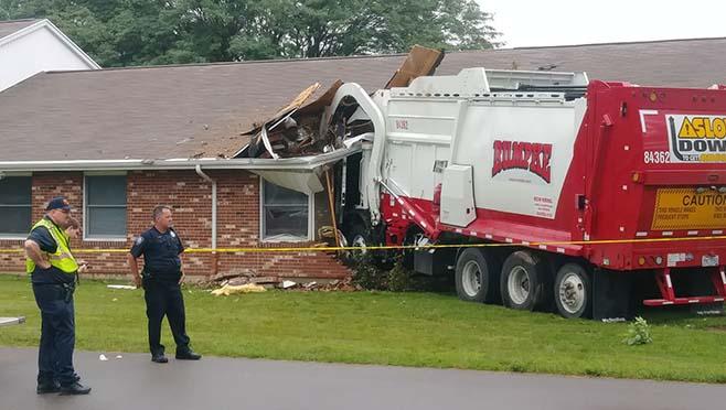 6-21 Garbage Truck Crash 3_1529589153964.jpg-873702559.jpg