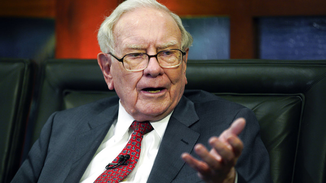 warren buffett_1527965997044.jpg.jpg