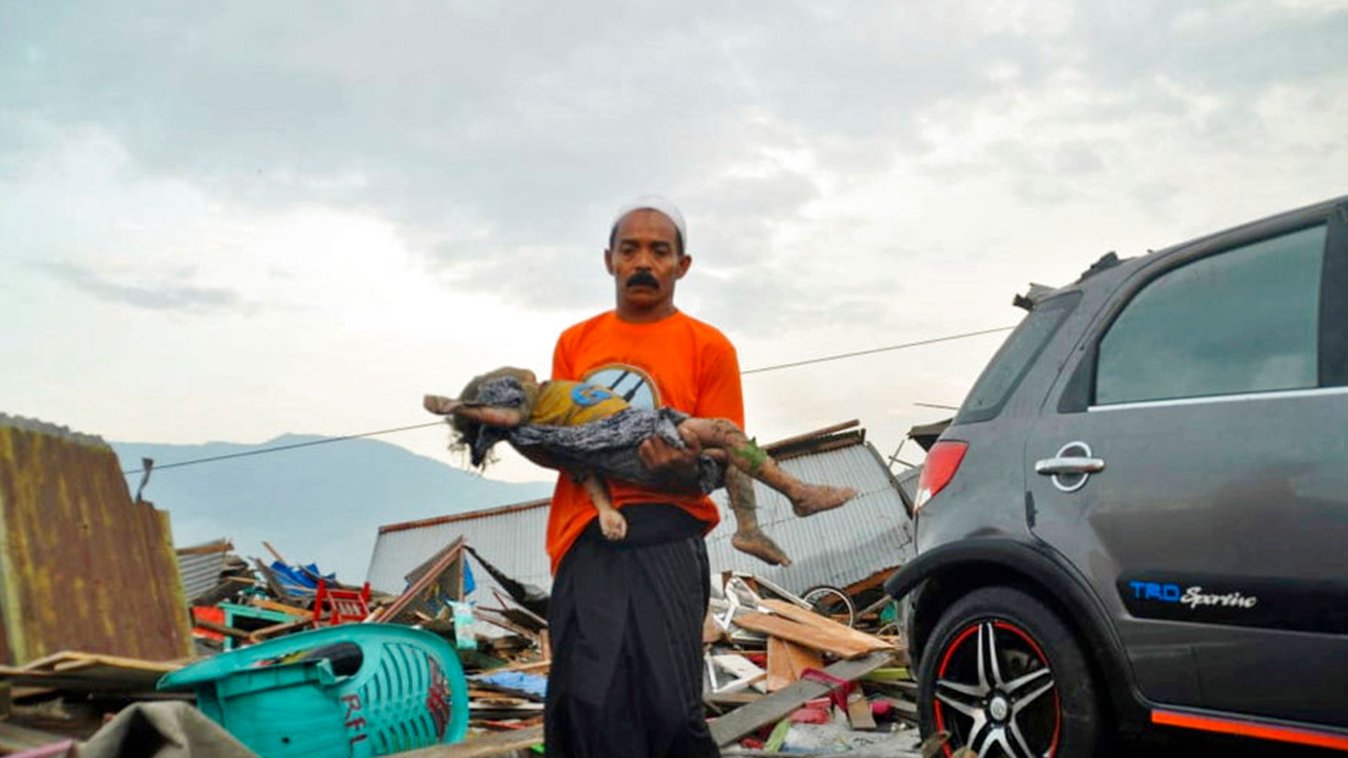 indonesia-quake_1538210476440.jpg
