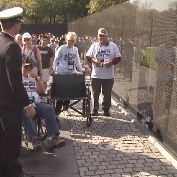 Local veterans take Honor Flight to Vietnam War Memorial