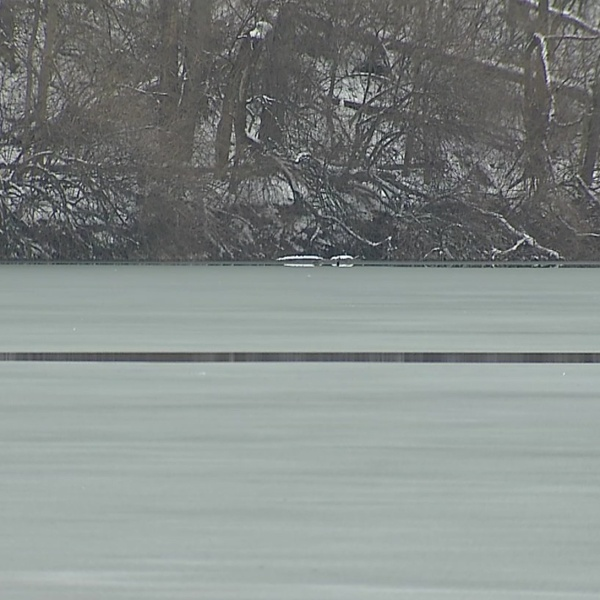 Firefighters: Don't trust the ice in central Ohio