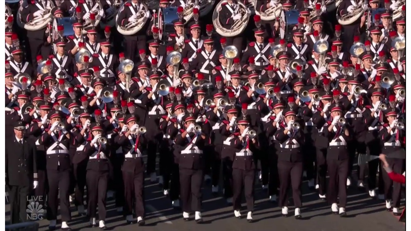 Ohio State Marching Band marches in Rose Parade
