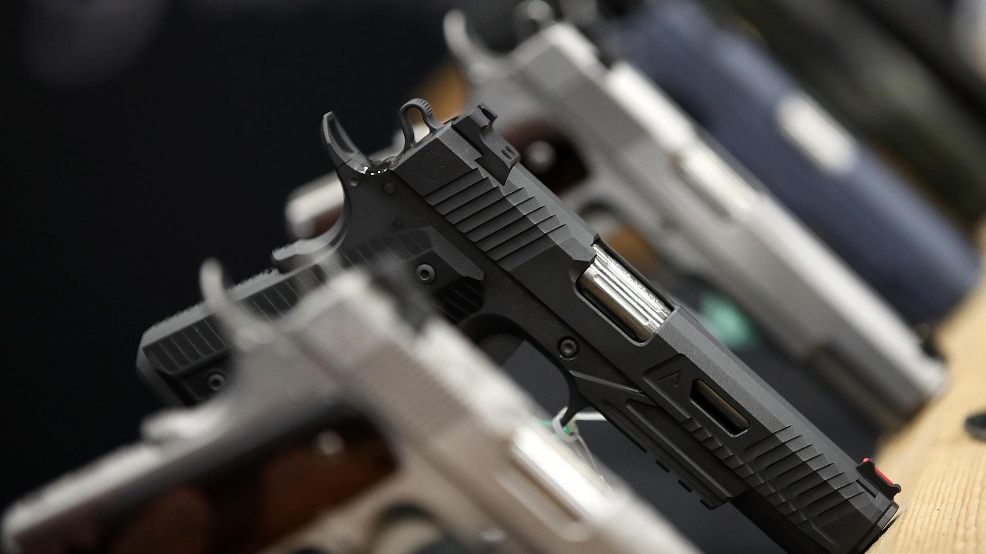 HANDGUNS GUN GENERIC-846652698