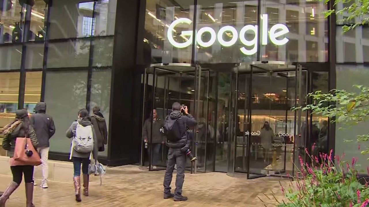 Google_employees_walk_out_to_protest_tre_0_20181101155613