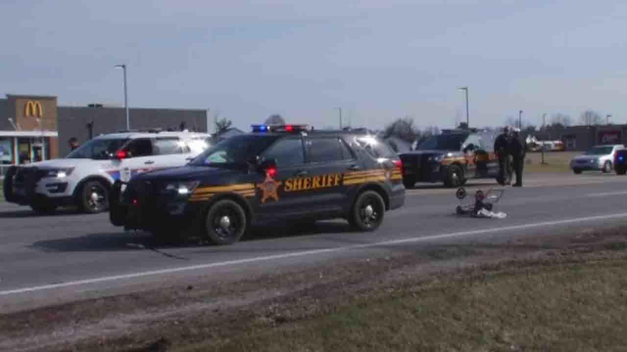 Pedestrian injured as Franklin County deputies pursue vehicle
