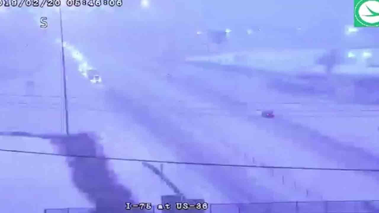 Thundersnow! Watch rare occurrence of thundersnow caught on camera