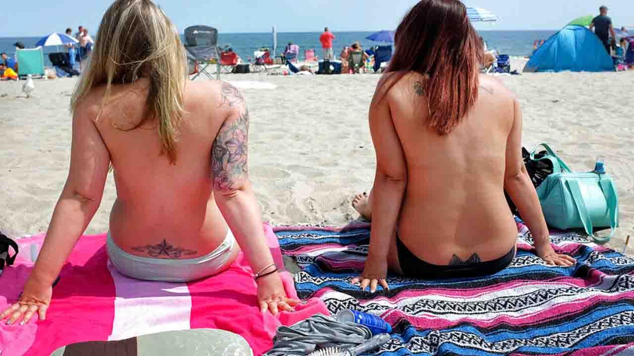 topless women beach_1549723980570.jpg.jpg
