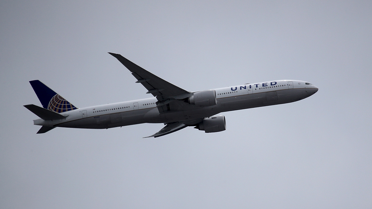 United Airlines Plane-846652698