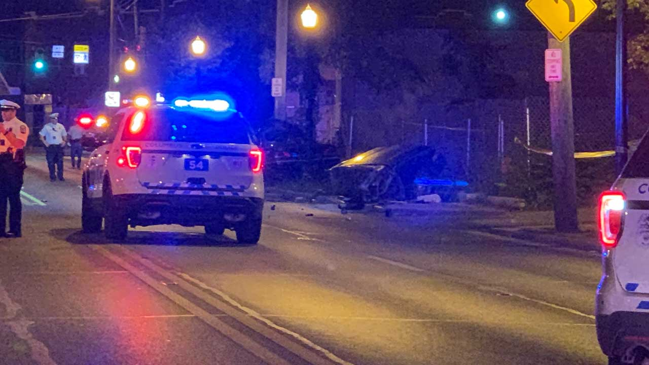 Woman dead after vehicle slams into pole on Cleveland Ave