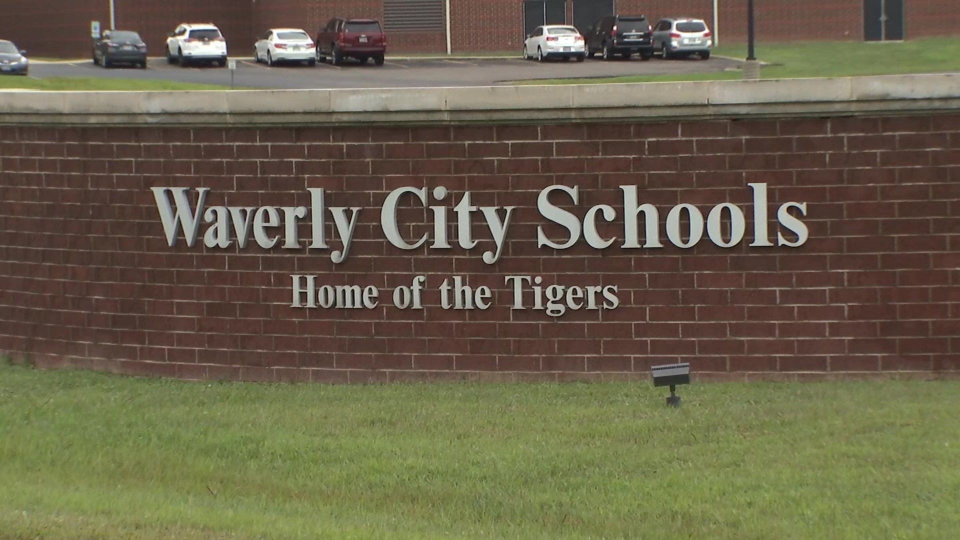 Father says Waverly schools denying individualized education