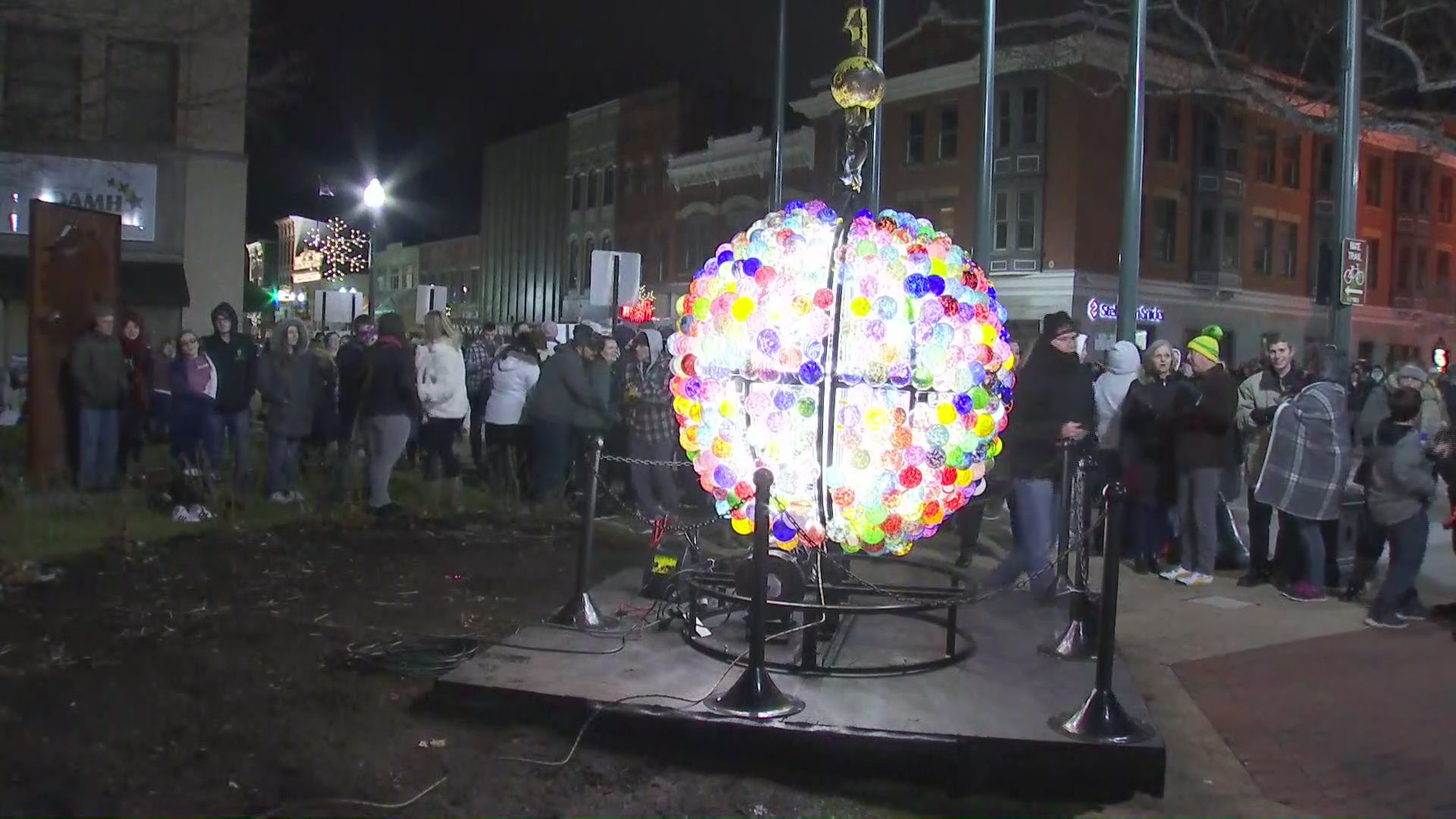 Lancaster Ohio Halloween 2020 VIDEO: Celebrate the new year with Glass Town Countdown globe in