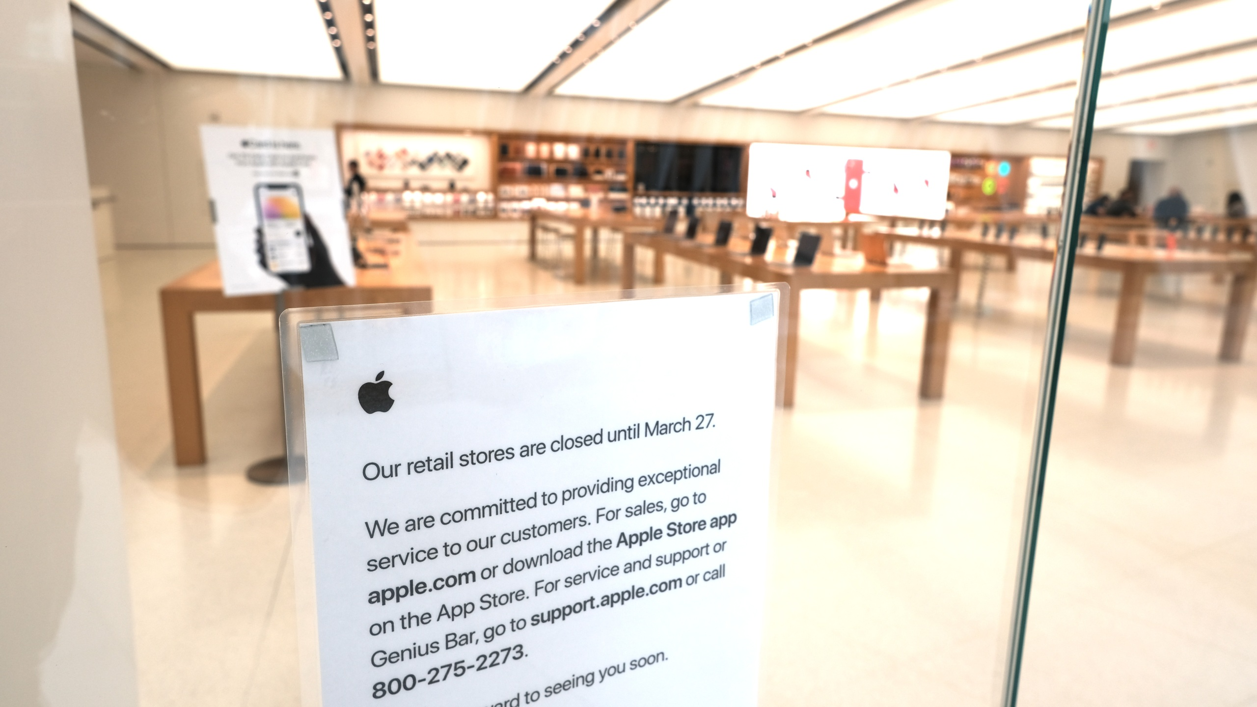 Apple store closure