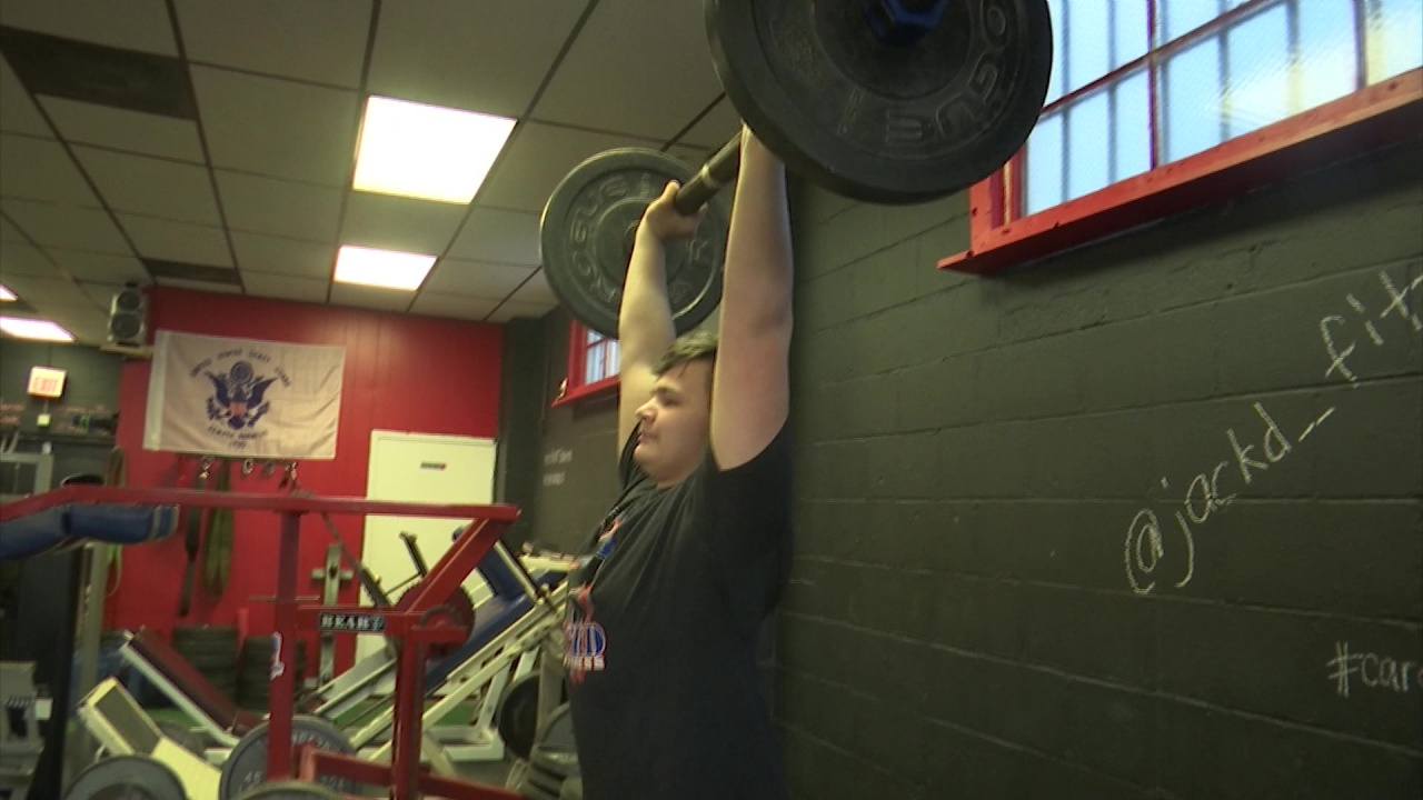 "Lancaster teen goes from ""Fortnite"" to strongest teen comp at Arnold 1"