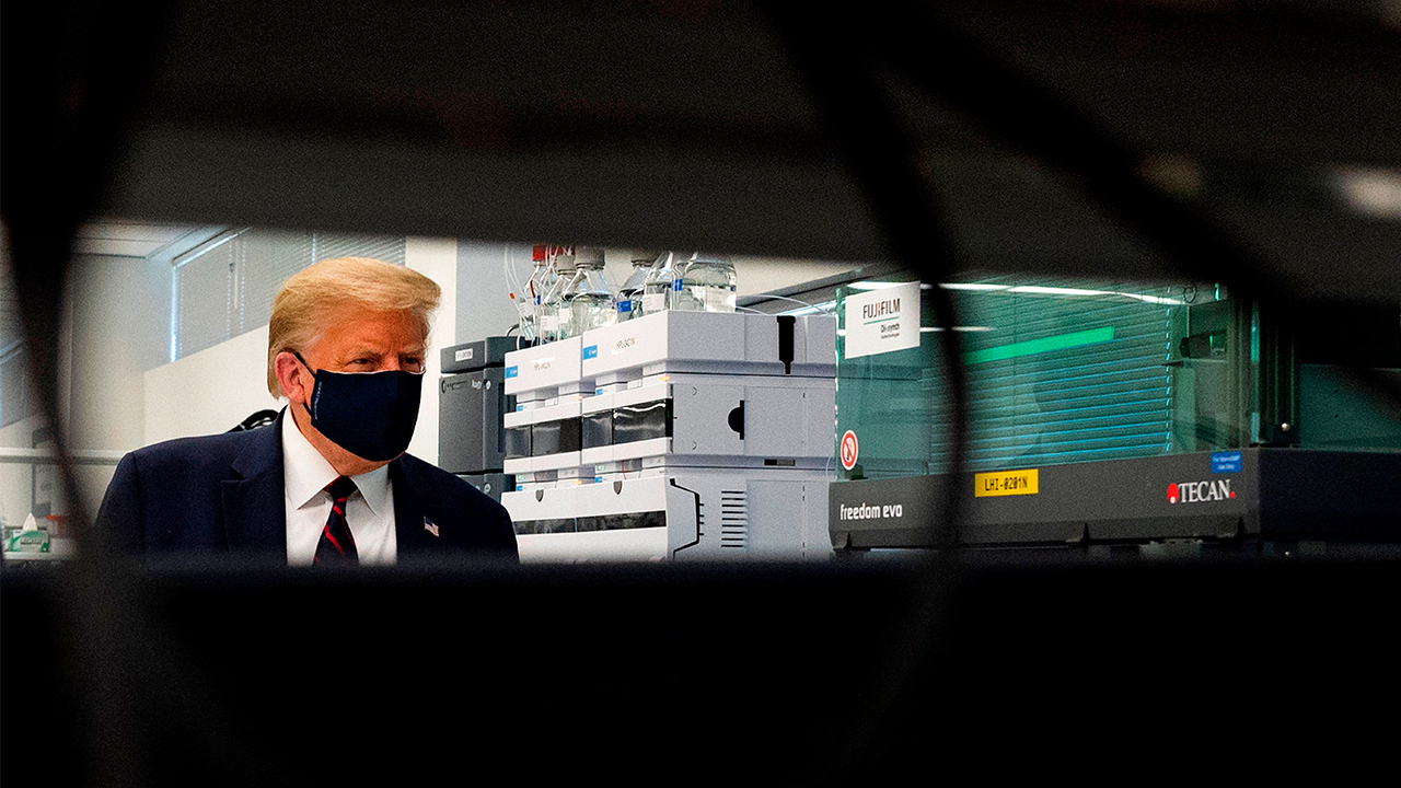 Trump vaccine tour mask